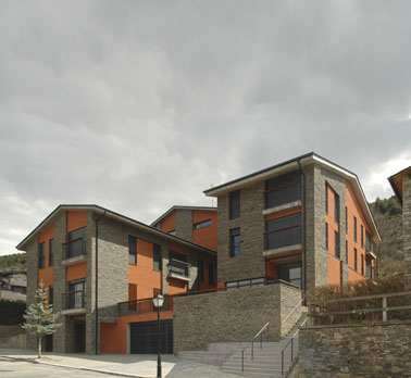 13 Social Apartments and Medical Centre in Alp, Pyrenees